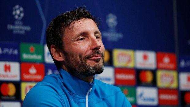 Pelatih PSV Larang Pemain Minta Kostum Messi Saat Istirahat